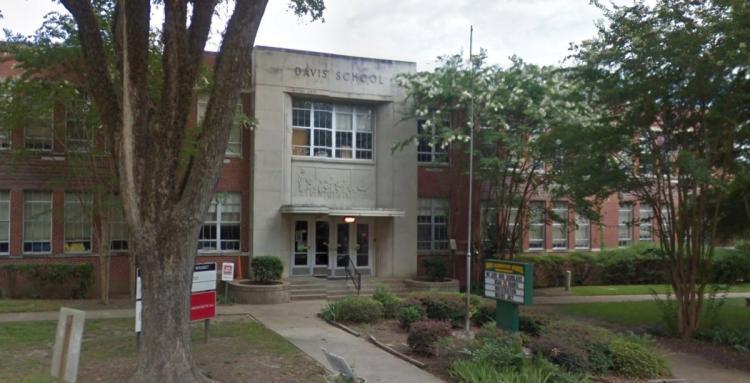 It begins: Mississippi school changes name from Jefferson Davis to BarackObama